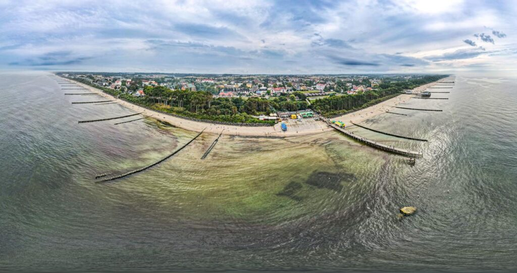 Ustronie Morskie z drona