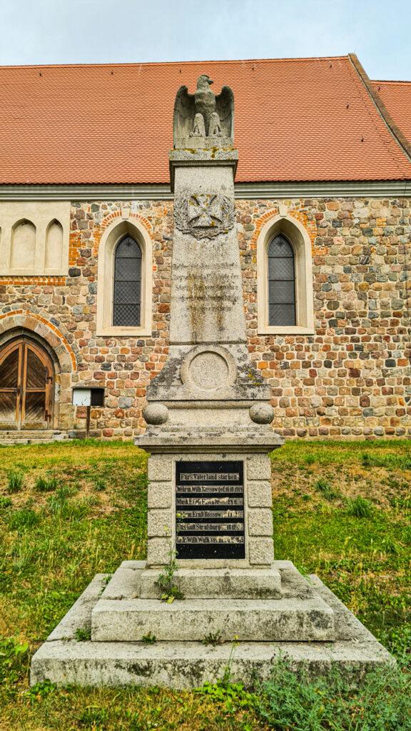 się pomnik wojenny ku czci poległych podczas I wojny światowej