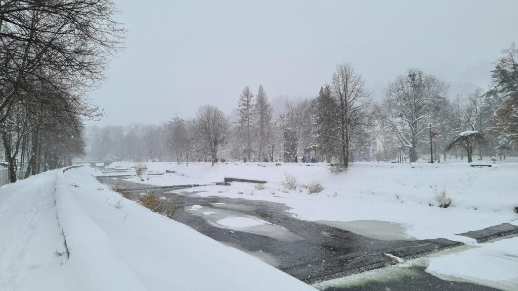 rzeka Wisła zimą