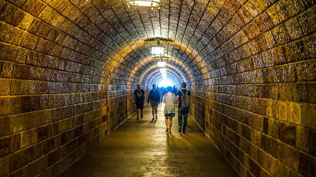Herbaciarnia na Kehlsteinie – Orle Gniazdo – Niemcy - tunel 124 metry